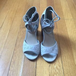 Cute lace up pumps by Matisse